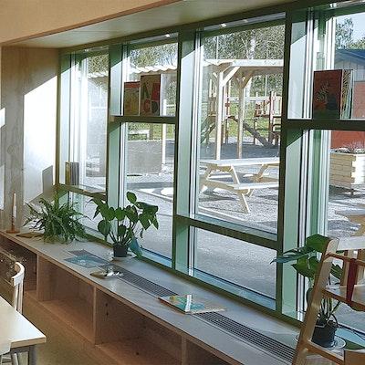 Interiört, Fönsterparti i matsal